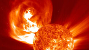 Ogromna burza słoneczna może uderzyć w Ziemię. Skutki byłyby katastrofalne