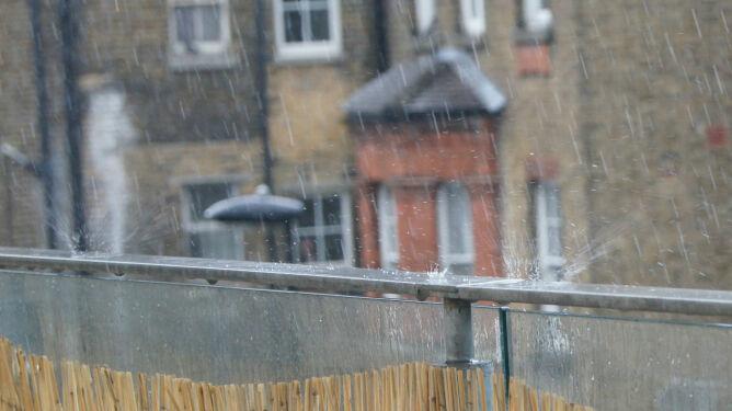 Prognoza pogody na dziś: deszcz i deszcz ze śniegiem w połowie kraju
